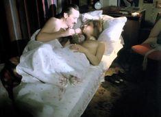Абсолютно голая Татьяна Догилева в фильме «Забытая мелодия для флейты» фото #1