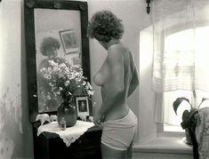 Шикарная голая грудь Натальи Негоды в фильме «Завтра была война» фото #4