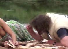 Анна Снаткина засветила грудь в сериале «Заколдованный участок» фото #4
