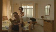 Голые сиськи Елены Поляковой в сериале «Замыслил я побег...» фото #14