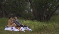 Голые сиськи Елены Поляковой в сериале «Замыслил я побег...» фото #74