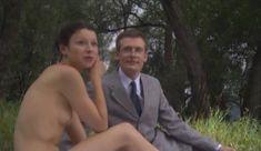 Голые сиськи Елены Поляковой в сериале «Замыслил я побег...» фото #76
