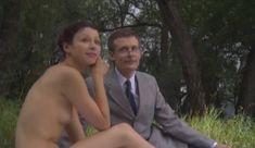 Голые сиськи Елены Поляковой в сериале «Замыслил я побег...» фото #79