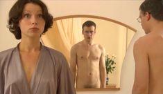 Голые сиськи Елены Поляковой в сериале «Замыслил я побег...» фото #81