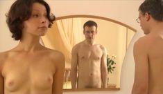Голые сиськи Елены Поляковой в сериале «Замыслил я побег...» фото #83