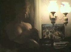 Наталья Лапина показала голую грудь в фильме «Имитатор» фото #3