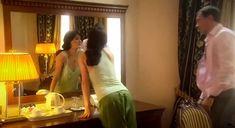 Екатерина Маликова засветила голую грудь в сериале «Индус» фото #1