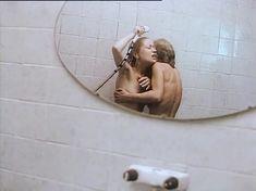 Евдокия Германова показала голые сиськи в фильме «Кикс» фото #2