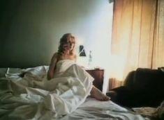 Красивая голая грудь Александры Колкуновой в фильме «Кодекс молчания» фото #2