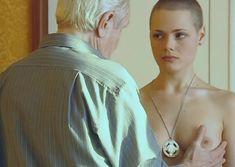 Голые сиськи Анны Миклош в сериале «Крот 2» фото #4