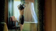 Евгения Трофимова оголила грудь и попу в фильме «Летний дождь» фото #10