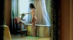 Евгения Трофимова оголила грудь и попу в фильме «Летний дождь» фото #13