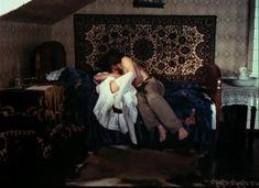 Красивая Дарья Повереннова засветила грудь в фильме «Лето любви» фото #40