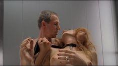 Ольга Родионова оголила грудь и засветила письку в фильме «Лифт» фото #15