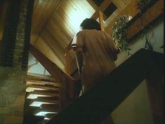 Ирина Шмелева оголила грудь и попу в фильме «Ловушка для одинокого мужчины» фото #3
