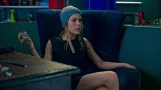 Маруся Зыкова засветила трусики в сериале «Лондонград. Знай наших» фото #2