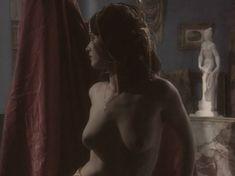 Любовь Тихомирова оголила грудь в сериале «Любовные авантюры» фото #3
