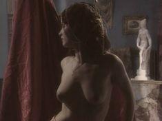 Любовь Тихомирова оголила грудь в сериале «Любовные авантюры» фото #4