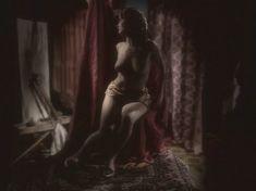 Любовь Тихомирова оголила грудь в сериале «Любовные авантюры» фото #5