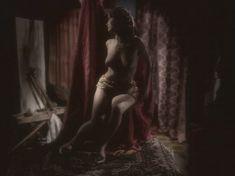 Любовь Тихомирова оголила грудь в сериале «Любовные авантюры» фото #6