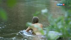 Голая попа Анны Миклош в сериале «Любовь как несчастный случай» фото #3