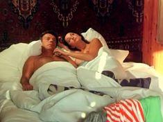 Привлекательная Ольга Кабо показала сиськи в фильме «Любовь немолодого человека» фото #1