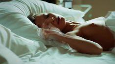 Сексуальная Любовь Аксенова показала голые сиськи в сериале «Мажор» фото #7