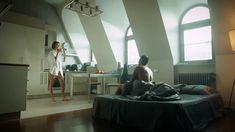 Сексуальная Любовь Аксенова показала голые сиськи в сериале «Мажор» фото #14