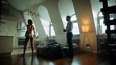 Сексуальная Любовь Аксенова показала голые сиськи в сериале «Мажор» фото #27