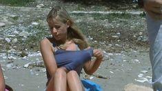 Голая грудь Лики Кремер в сериале «Матрешки» фото #2