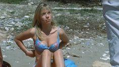Голая грудь Лики Кремер в сериале «Матрешки» фото #3