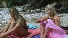 Голая грудь Лики Кремер в сериале «Матрешки» фото #7
