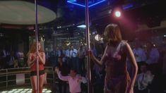 Любовь Толкалина показала голые сиськи в сериале «Матрешки» фото #4
