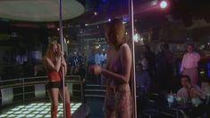 Любовь Толкалина показала голые сиськи в сериале «Матрешки» фото #14