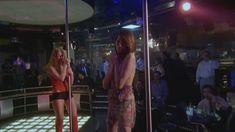 Любовь Толкалина показала голые сиськи в сериале «Матрешки» фото #15