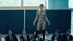 Полностью голая Карина Зверева в сериале «Метод» фото #4