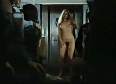 Абсолютно голая Александра Колкунова в сериале «Мир в другом измерении» фото #12