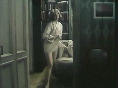 Голые сиськи Ирины Феофановой в фильме «Мужские портреты» фото #7