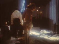 Эротичная Ольга Кабо оголила грудь в сериале «Мушкетеры 20 лет спустя» фото #3