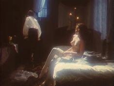 Эротичная Ольга Кабо оголила грудь в сериале «Мушкетеры 20 лет спустя» фото #4