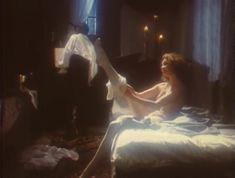 Эротичная Ольга Кабо оголила грудь в сериале «Мушкетеры 20 лет спустя» фото #5