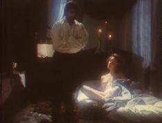Эротичная Ольга Кабо оголила грудь в сериале «Мушкетеры 20 лет спустя» фото #9