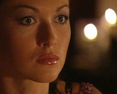 Красотка Юлия Такшина случайно засветила грудь в сериале «Не родись красивой» фото #4
