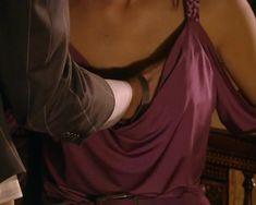 Красотка Юлия Такшина случайно засветила грудь в сериале «Не родись красивой» фото #8