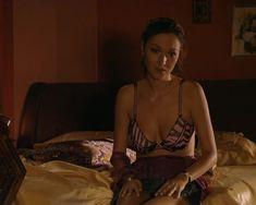 Красотка Юлия Такшина случайно засветила грудь в сериале «Не родись красивой» фото #12