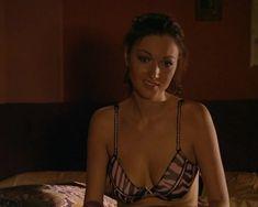 Красотка Юлия Такшина случайно засветила грудь в сериале «Не родись красивой» фото #13