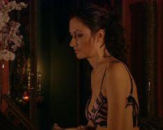 Красотка Юлия Такшина случайно засветила грудь в сериале «Не родись красивой» фото #15