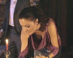 Красотка Юлия Такшина случайно засветила грудь в сериале «Не родись красивой» фото #19