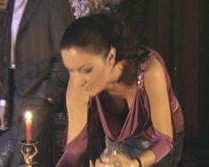 Красотка Юлия Такшина случайно засветила грудь в сериале «Не родись красивой» фото #20