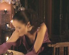 Красотка Юлия Такшина случайно засветила грудь в сериале «Не родись красивой» фото #21